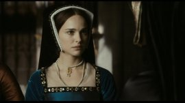 """Natalie Portman è Anna Bolena nel film """"L'altra donna del re"""" (2008)"""