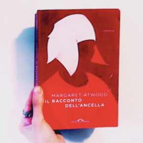 """""""Il racconto dell'ancella"""" di MargaretAtwood"""